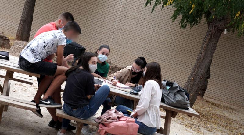 alumnat en el projecte d'economia del bé comú